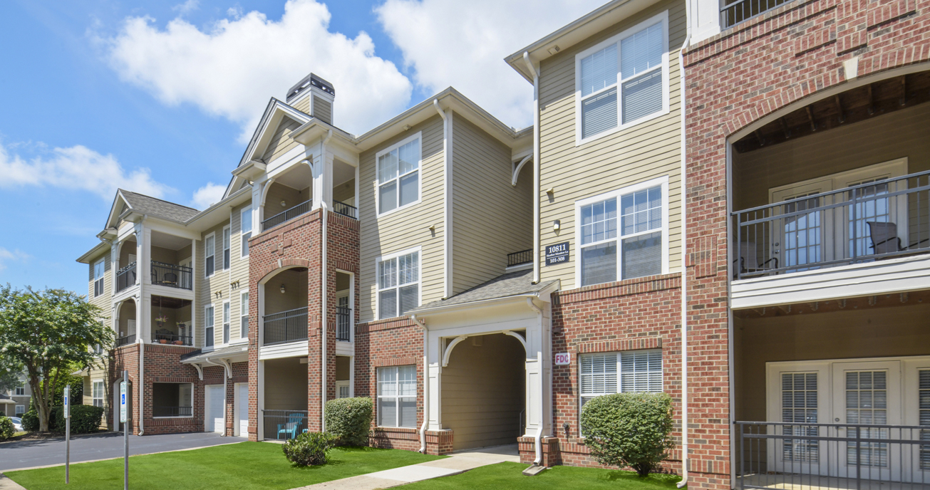 exterior view of property, columns at wakefield in raleigh nc