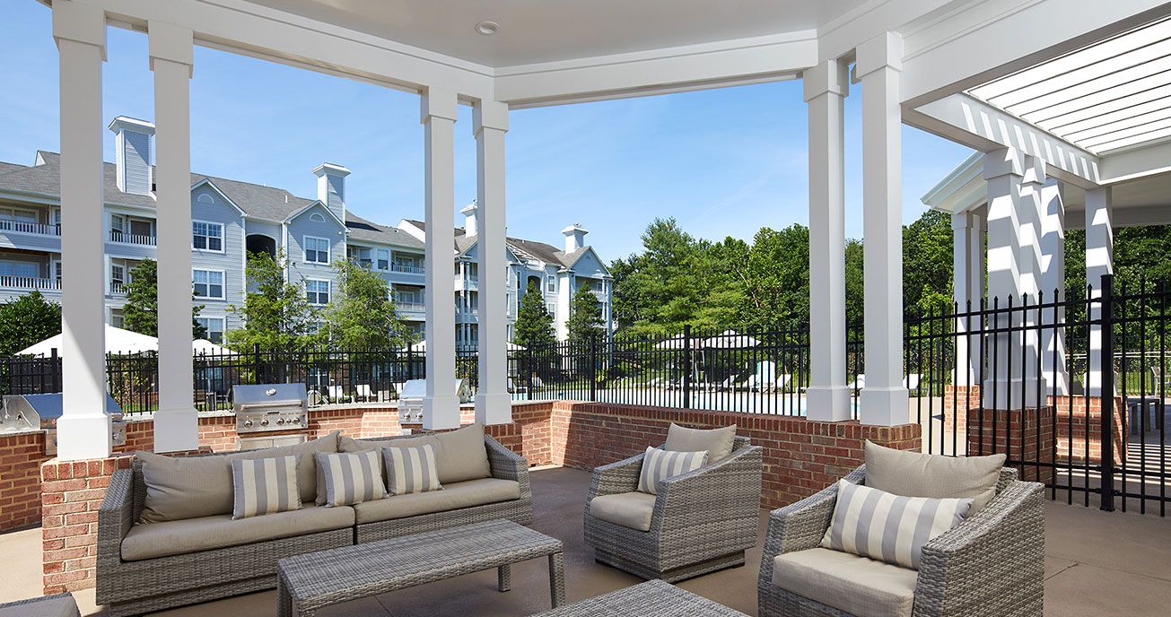 outdoor patio with furniture, seven oaks, odenton md